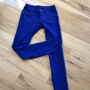 Guess faux 5 pockets leggings.  EUC